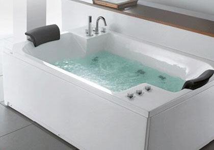亚克力浴缸产生的划痕怎么解决